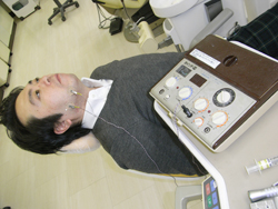 貼付電極による経皮低周波通電法